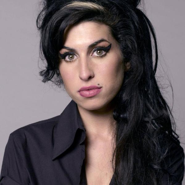 060-Amy Winehouse-600